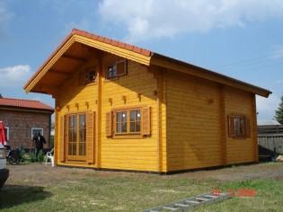 Wochenendhaus, Ferienhaus, Blockhaus mit 6 Räumen in Erd- und Dachgeschoss TORNIO