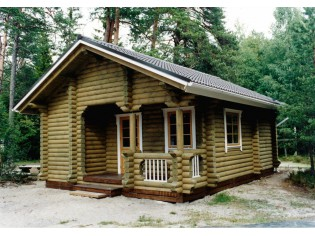 190mm Durchmesser Rundholz Ferienhaus Blockhaus 33m² mit lasierten Fenstern und Türen im Wunschfarbton