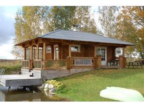 190mm Durchmesser Rundholz Ferienhaus Blockhaus 31,6m² + 24,7m² L-Form Terrasse, Fenstern, Türen im Wunschfarbton